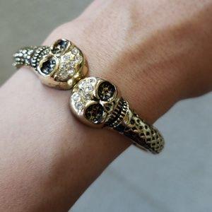 Jewelry - Gold tone skull bracelet
